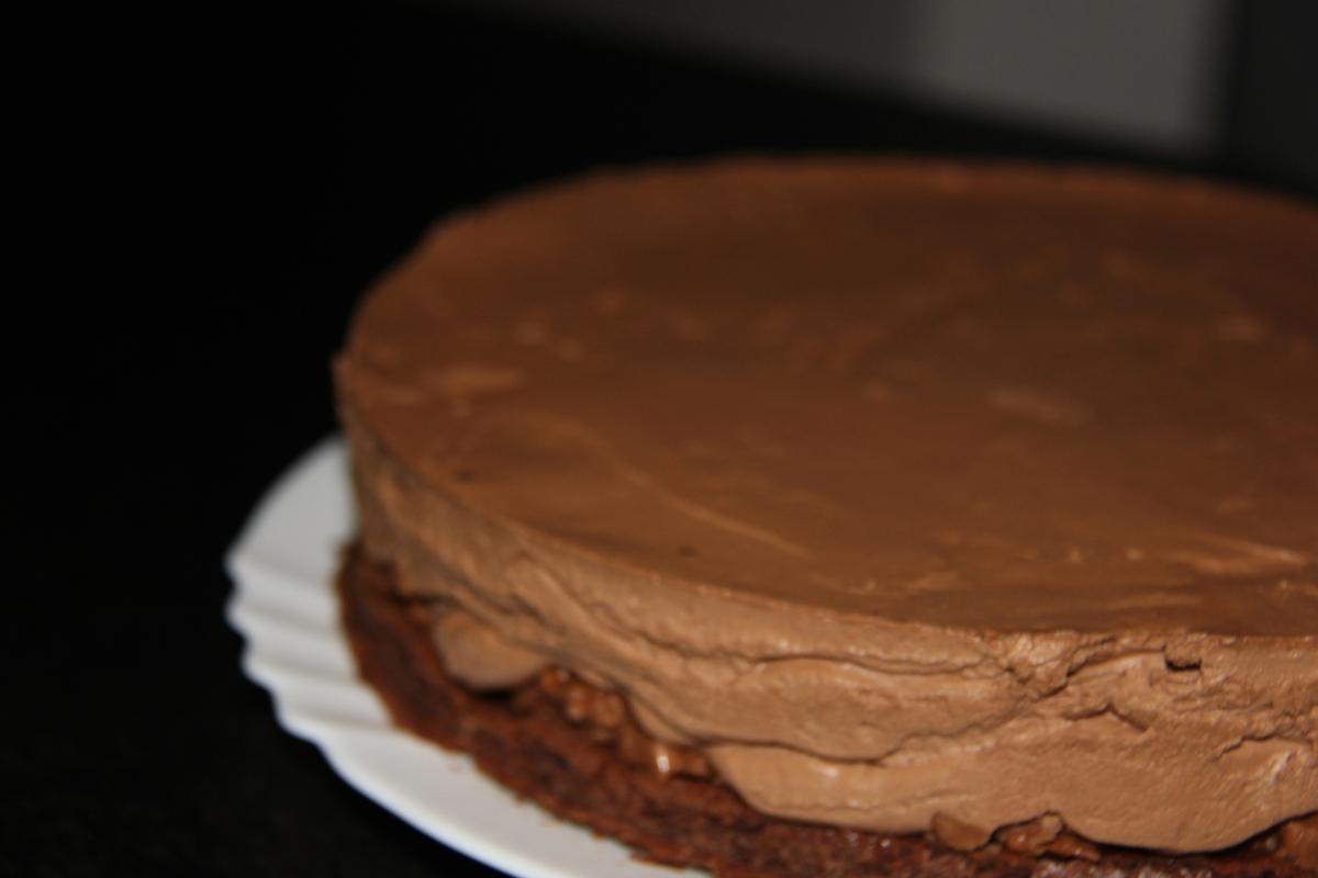 Gâteau au chocolat avec sa mousse et son croustillant